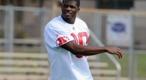 Texans' WR Andre Johnson gives back